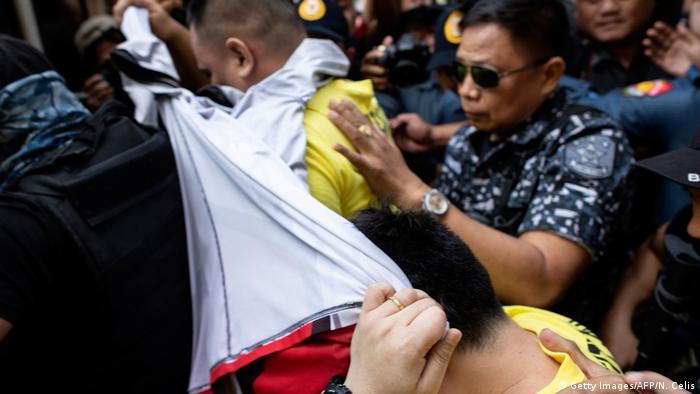 Philippinen Prozess gegen Polizisten im Drogenkrieg (Getty Images/AFP/N. Celis)