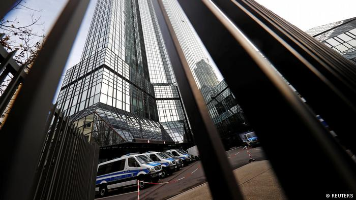 Frankfurt Razzia bei Zentrale Deutsche Bank