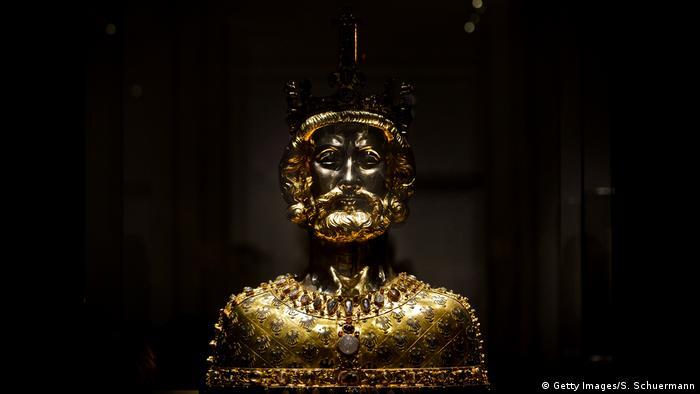 Статуя Карла Великого