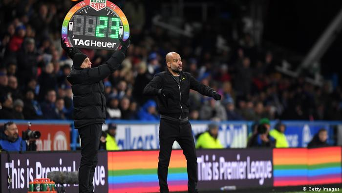 Stonewall Rainbow Laces Kampagne - Huddersfield Town v Manchester City (Getty Images)