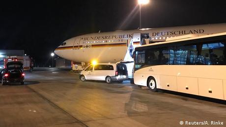 DW: Περίεργα απρόοπτα σε κυβερνητικά ταξίδια