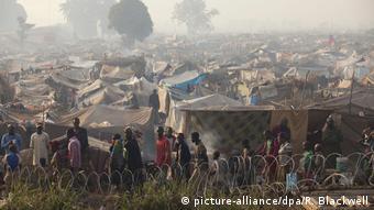 Zentralafrikanische Republik Flüchtlingslager (picture-alliance/dpa/R. Blackwell)