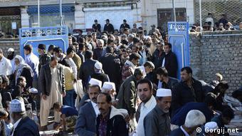 در مراسم خاکسپاری مولانا عبدالغفور جمالزهی در استان گلستان صدها تن از پیروان اهل سنت ایران شرکت کردند
