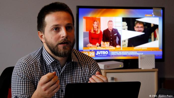 Kosovo - Redaktion Nachrichten Portal Kossev - Ivan Mitic (DW/J. Djukic-Pejic)
