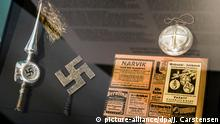 christmas tree decoration including a swastika (picture-alliance/dpa/J. Carstensen)