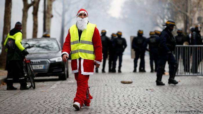 Gelbwesten-Protest in Paris (Reuters/S. Mahe)