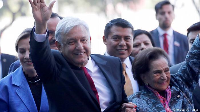 Mexiko Vereidigung des Präsidenten Andres Manuel Lopez Obrador (Reuters/C. Jasso)