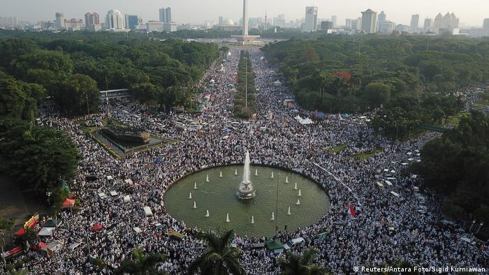 Muslime demonstrieren in Jakarta (Reuters/Antara Foto/Sigid Kurniawan)