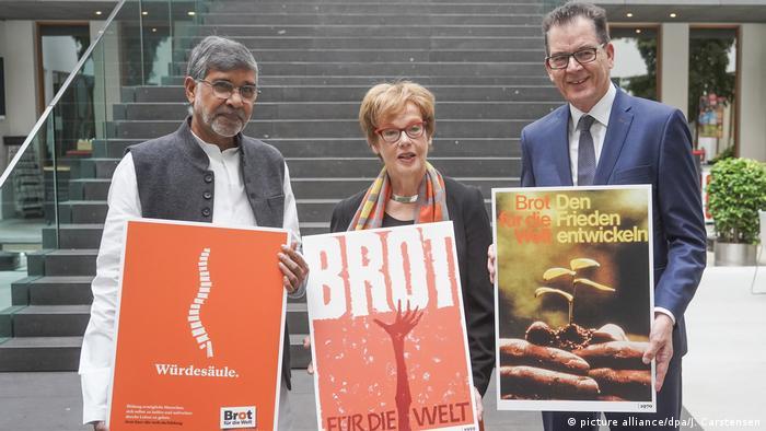 Brot für die Welt startet im Dezember 60. Spendenaktion (picture alliance/dpa/J. Carstensen)