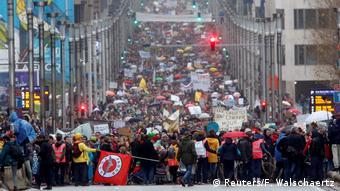 Χιλιάδες Βέλγοι κατέβηκαν χθες στους δρόμους στέλνοντας το δικό τους μήνυμα