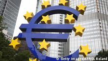 Europa Finanzen l Steuer auf Finanztransaktionen l Europäische Zentralbank Euro-Skulptur