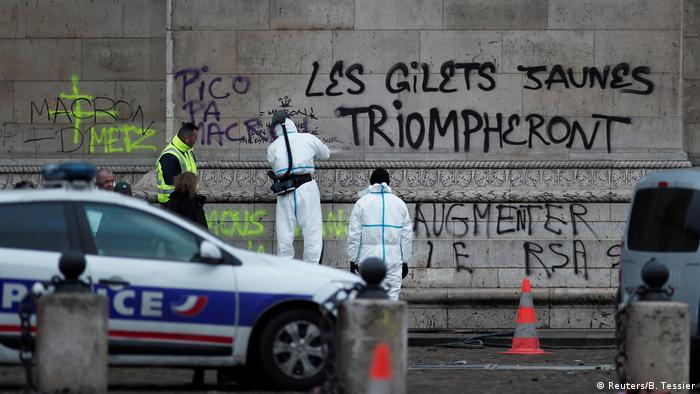 The Yellow Vests will Triumph spray painted on the Arc de Triomphe