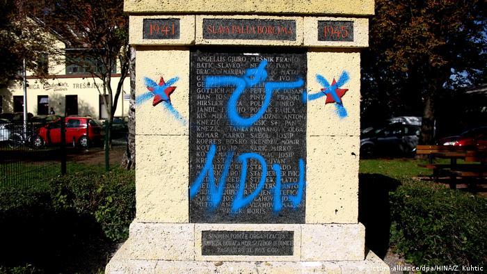 Ustanički spomenik oskrnavljen ustaškim znakovljem
