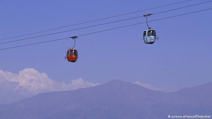 Chile Seilbahn in Santiago de Chile (picture-alliance/Photoshot)