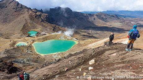 Neuseeland | Tongariro Crossing (picture-alliance /dpa/DUMONT Bildarchiv)