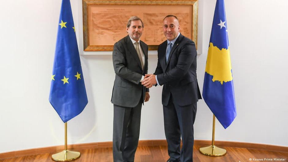 Hahn në Kosovë  Do të punojmë ngushtë për çështjet e hapura