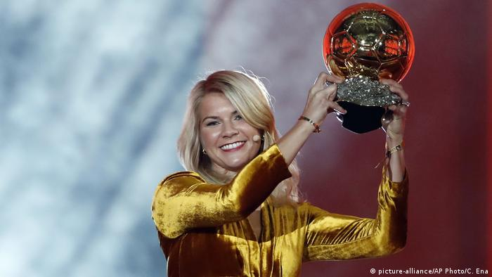 Paris Ballon d'Or Verleihung Ada Hegerberg (picture-alliance/AP Photo/C. Ena)