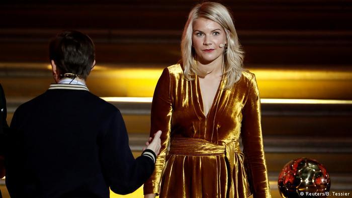 Ada Hegerberg durante cerimônia de premiação da Bola de Ouro em Paris