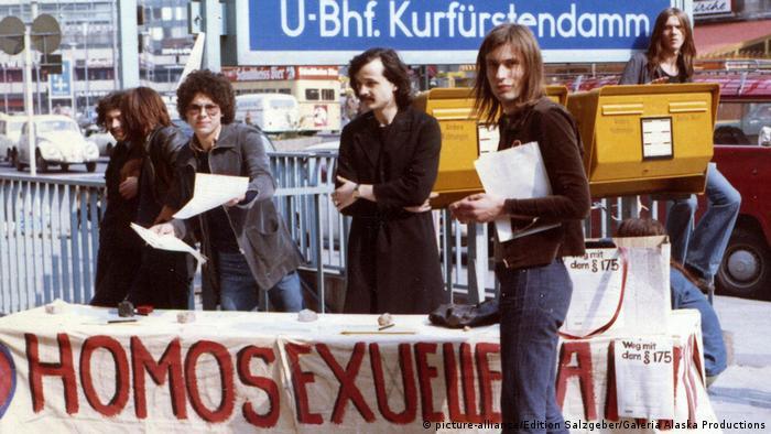 Акция гей-активистов в Западном Берлине