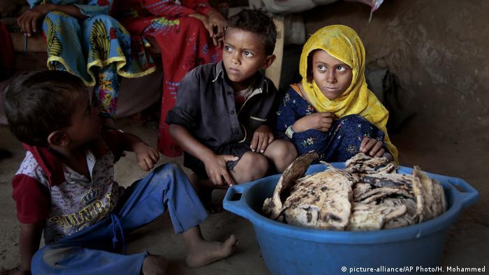 Yemen'deki iç savaş nedeniyle insani yardıma olan ihtiyaç duyanların sayısı artıyor