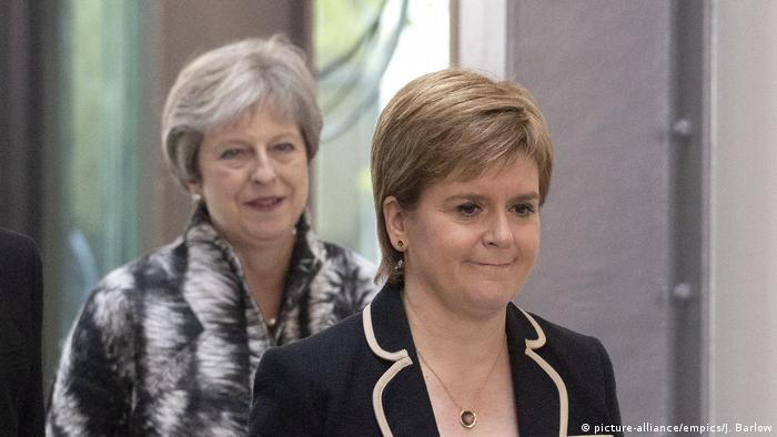 Theresa May and Nicola Sturgeon (picture-alliance/empics/J. Barlow)