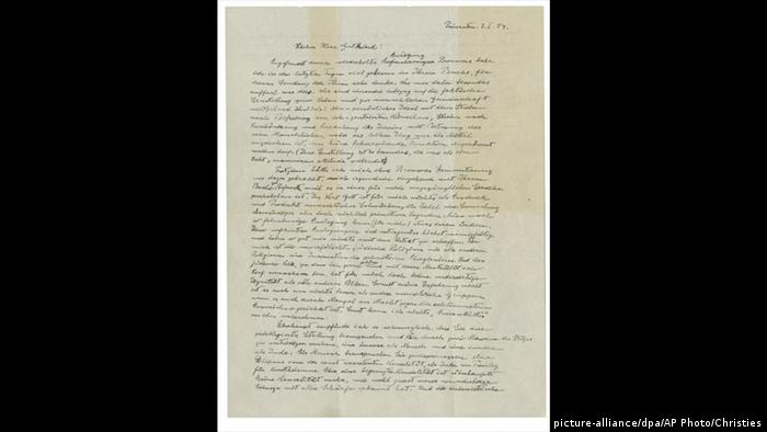 Albert Einstein | God letter (picture-alliance/dpa/AP Photo/Christies)