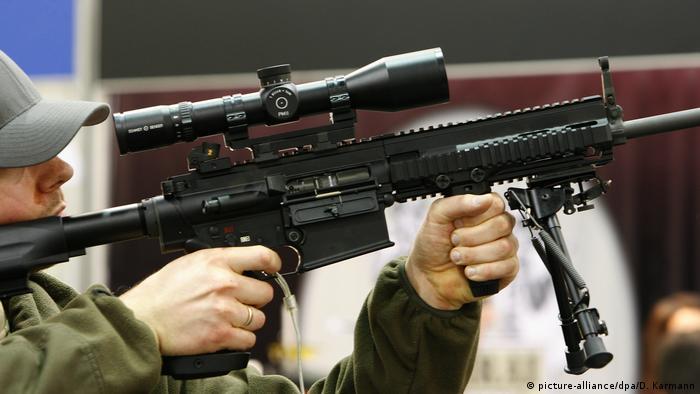 Deutsche Rüstungsexporte Waffenmesse IWA 2009 - Gewehr Heckler und Koch