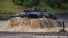 Deutsche Rüstungsexporte Leopard 2A6 bei einer Bundeswehrübung in der Heide
