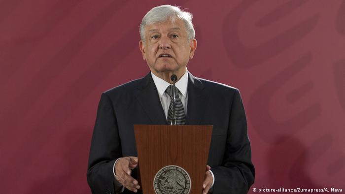 Lopez Obrador Pressekonerenz Mexiko (picture-alliance/Zumapress/A. Nava)