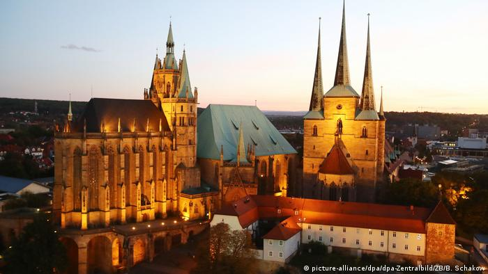 Erfurt Cathedral Hill at night (picture-alliance/dpa/dpa-Zentralbild/ZB/B. Schakow)