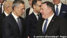 (181204) -- BRUSSELS, Dec. 4, 2018 (Xinhua) -- NATO Secretary General Jens Stoltenberg (L, Front) shakes hands with U.S. Secretary of State Mike Pompeo during a family photo session of NATO foreign ministers' meeting in Brussels, Belgium, on Dec. 4, 2018. (Xinhua/Ye Pingfan) | Keine Weitergabe an Wiederverkäufer.