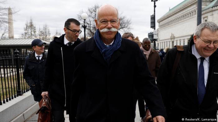 Шеф Daimler Дітер Цетше (Dieter Zetsche) у Вашингтоні після переговорів з Дональдом Трампом