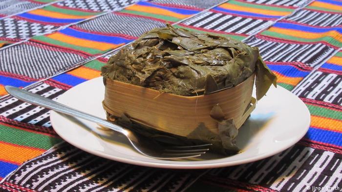 Ein Snack aus Thailand auf einem Teller.