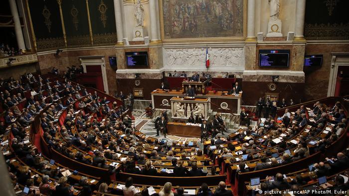 Frankreich Nationalversammlung l Protest Gelbwesten