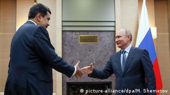 Venezuela Präsident Nicolas Maduro trifft russischen Präsident Wladimir Putin (picture-alliance/dpa/M. Shemetov)