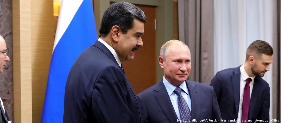 Em viagem à Rússia, Maduro se encontrou com Putin