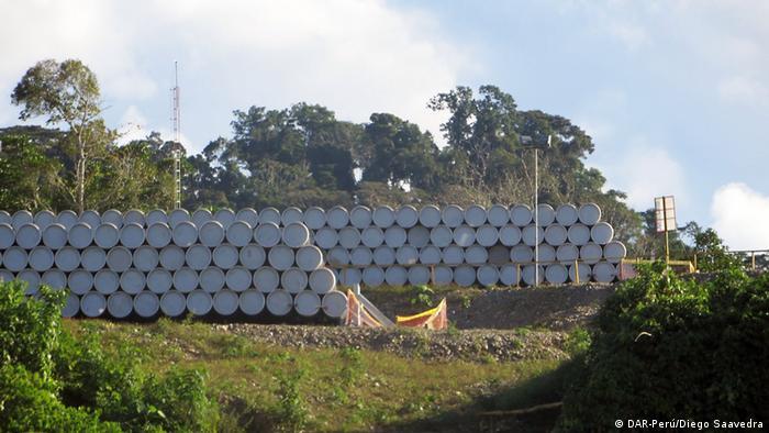 Foto simbólica de recipientes tras procesamiento de gas en Camisea, Cusco
