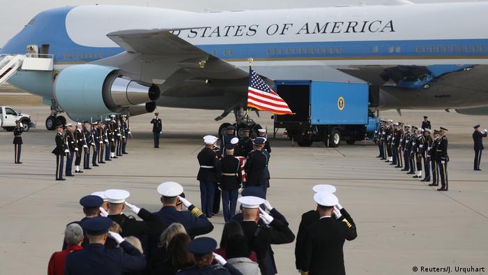 Corpo de Bush foi transportado para o Texas, onde será enterrado