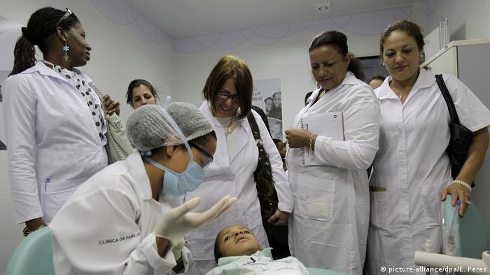 Brasilien, Brasilia: Kuba will seine Ärzte aus Brasilien abziehen