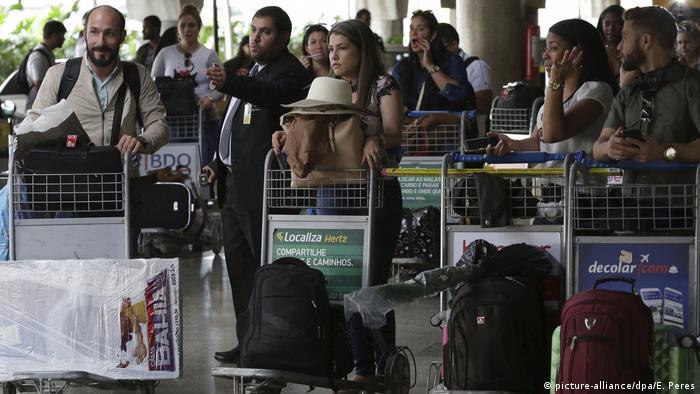 Brasilien, Brasilia: Kuba beginnt mit Abzug seiner Ärzte aus Brasilien