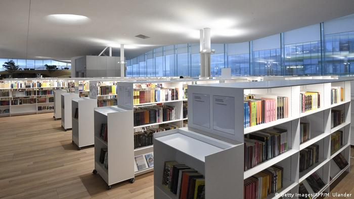 Bookshelves inside Oodi Library in Helsinki (Getty Images/AFP/M. Ulander)