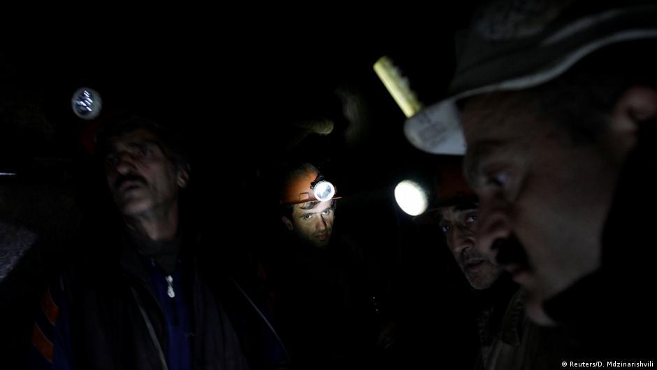 Russia potash mine fire kills nine workers   News   DW