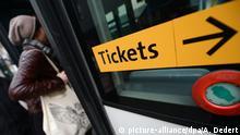 Symbolbild öffentlicher Nahverkehr Hinweis Tickets