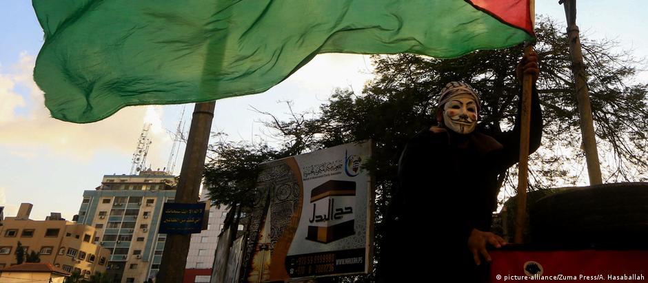 Manifestantes protestam contra resolução americana contra grupo Hamas, em Gaza