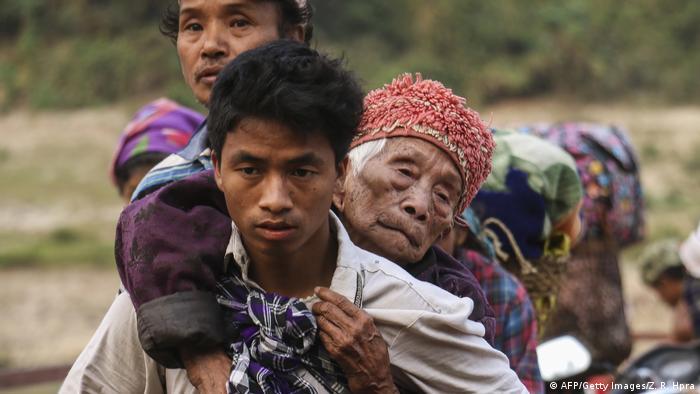 Menschen auf der Flucht vor Verfolgung. Konflikt in Kachin, Nordmyanmar