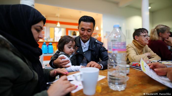 Bildergalerie Deutschland drei Syrische Flüchtlinge finden neues Zuhause in Berlin (Reuters/H. Hanschke)