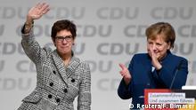 Deutschland CDU-Parteitag in Hamburg Kramp-Karrenbauer und Merkel