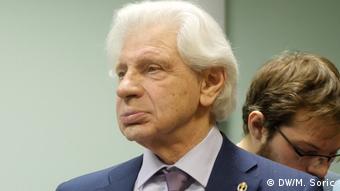 Russland Moskau - Menschenrechtsaktivisten Lew Ponomarjow während Prozess: Ponomarjow-Verteidigers Genrih Reznik