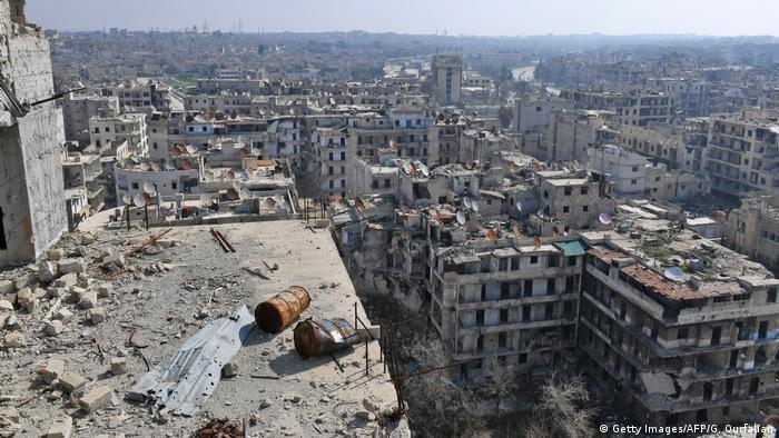 A city ravaged by war (Getty Images/AFP/G. Ourfalian)
