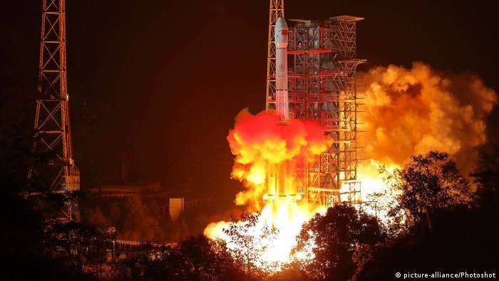 China Chang'e-4 launch